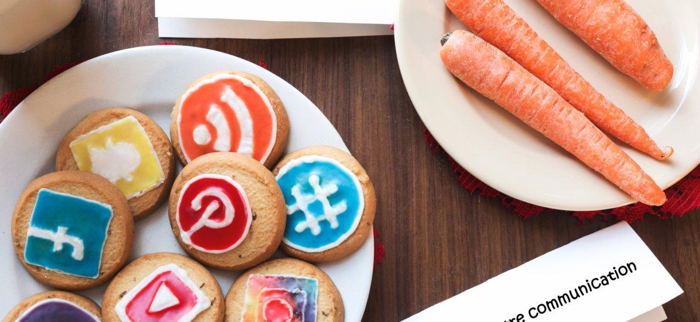 santa-cookies-reindeer-carrots